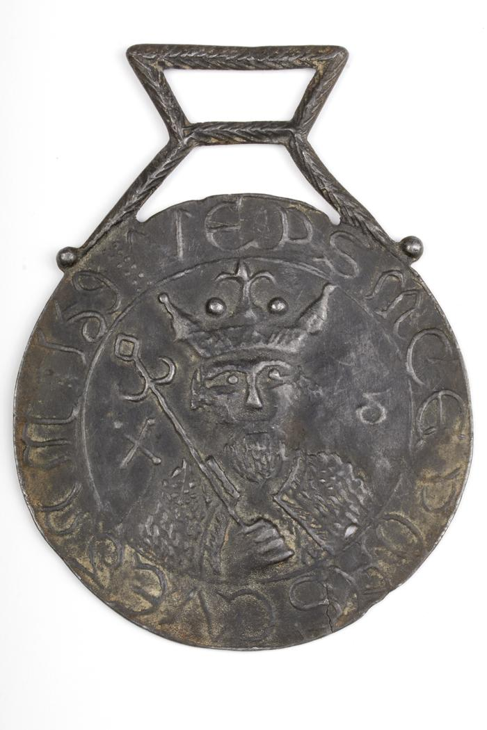Pilgrim Badge with Image of a Crowned Saint