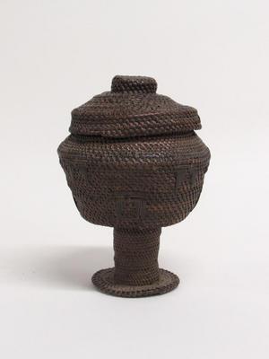 Pedestal Basket