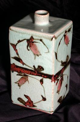 Square Vase with Bellflower Design